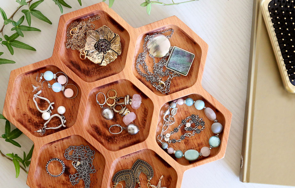 Jewelry organizer for Mother's Day 2021